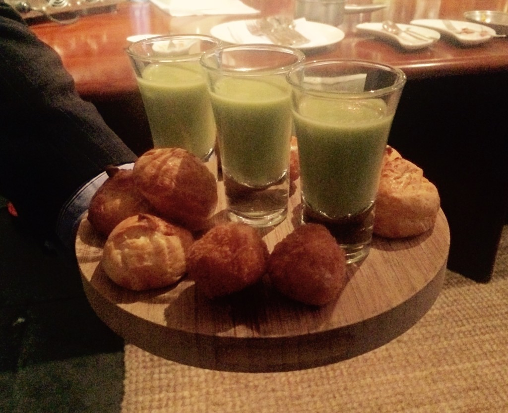 Pea and mint soup with cheese scones