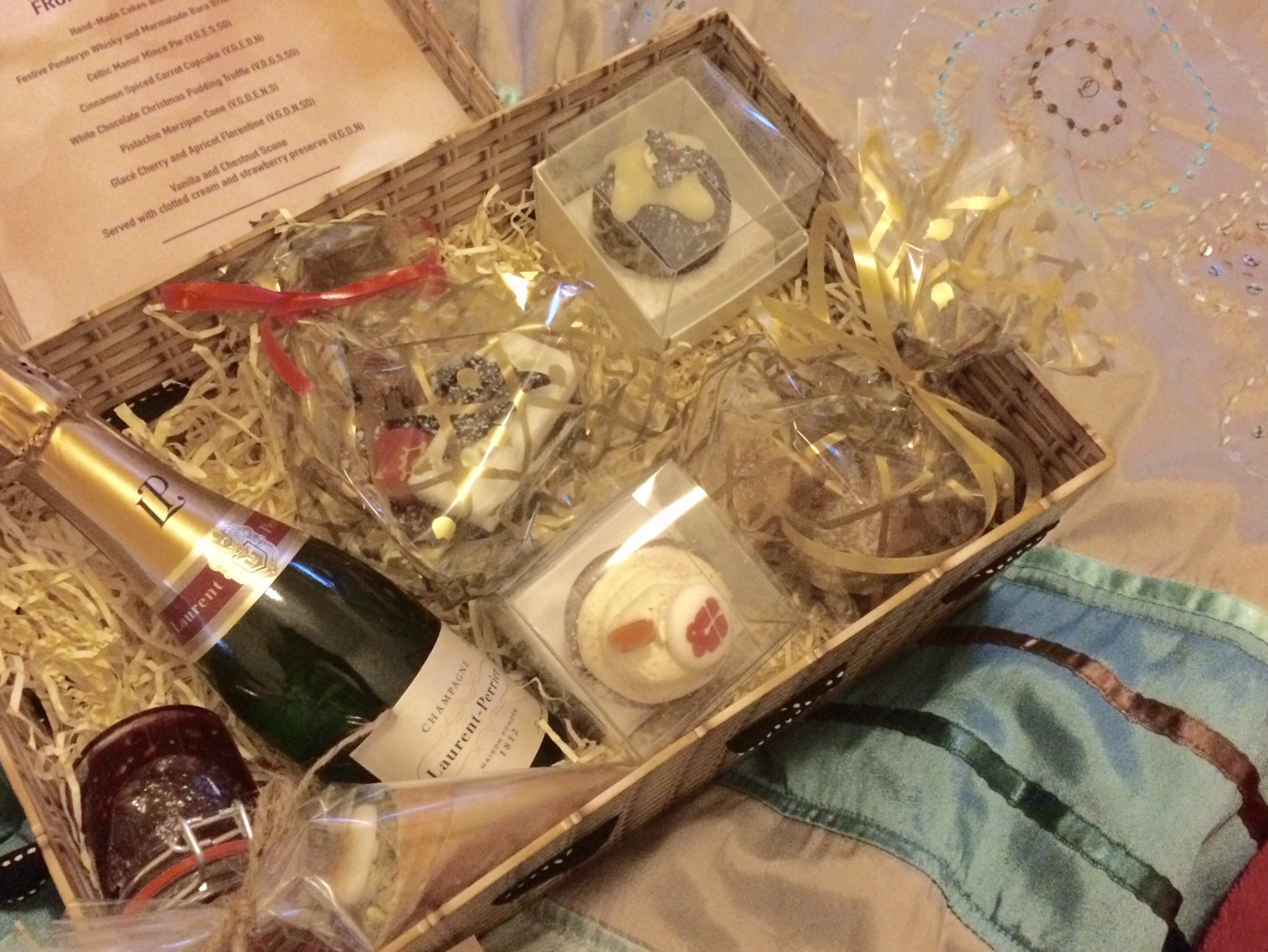 Xmas afternoon tea hamper