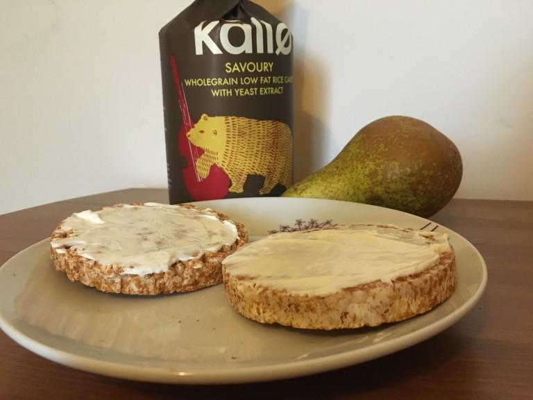 Kallo rice cakes with cream cheese