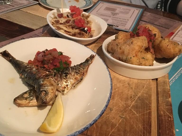 Fish, cauliflower and chicken bites