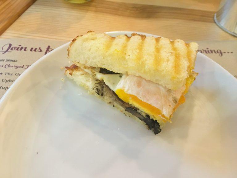 Mushroom and egg sandwich