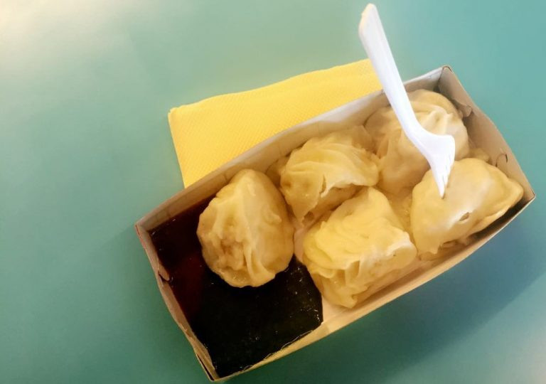 Steamed moms from Momo on the Move