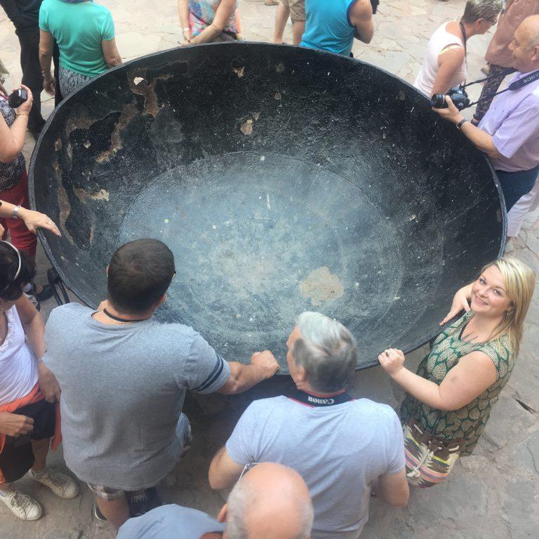 Large cooking pot at Amber Fort, Jaipur