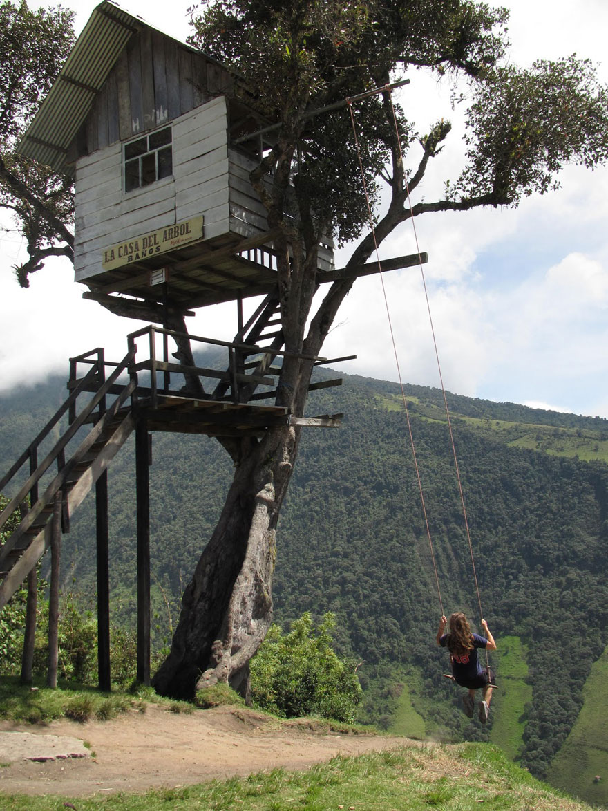 Swing at the edge of the world in Banos, Equador - The Treehouse - La Casa del Árbol,