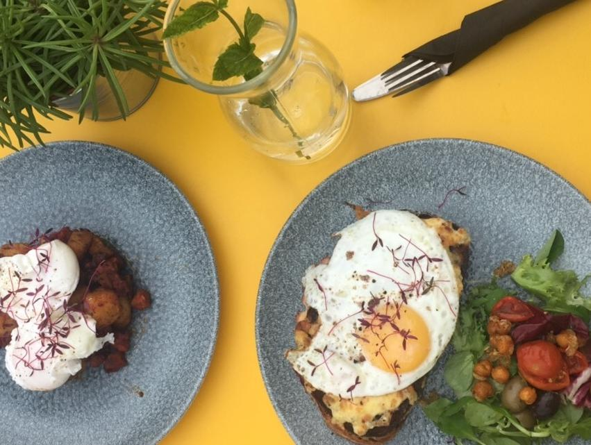 Bottomless brunches in Cardiff (Ad)